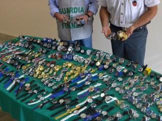 Sequestro orologi e merce contraffatta 30 ottobre 2015