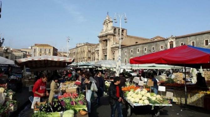mercato-piazza-carlo