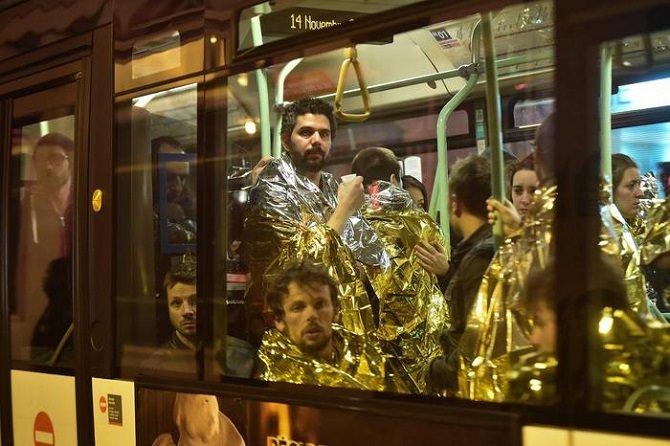 Parigi e una notte da dimenticare: Palermo e Catania si mobilitano