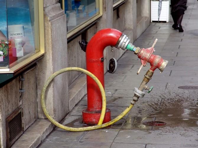 Fuoco incendio vigili del fuoco idrante