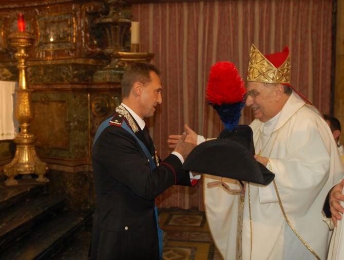 Generale di Brigata Riccardo Galletta,  ha fatto dono a S. Em. il Cardinale Romeo di una Lucerna
