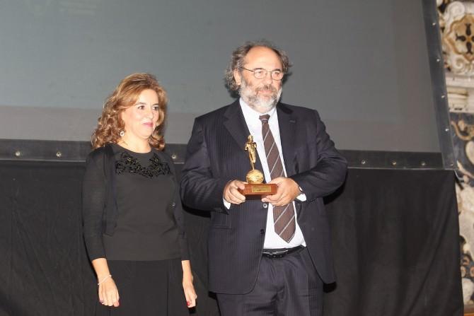 Il produttore Angelo Barbagallo con il direttore di Banca Sant'Angelo Ines Curella PH Pietro Coccia