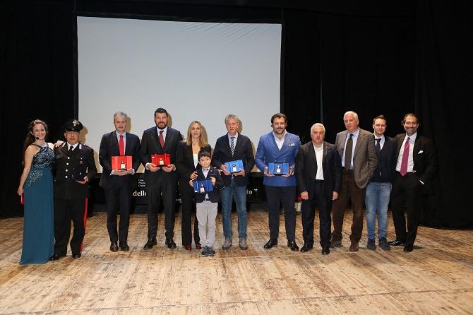 """Trecastagni, celebrato il """"Galà dello sport"""" con il premio """"La castagna d'argento 2015"""""""