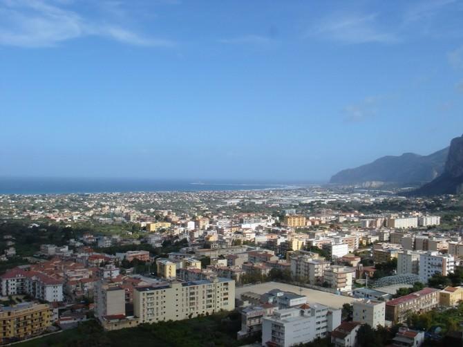 Panorama_di_Carini_vista_dal_Castello