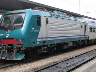 Trenitalia_Class_464_No_464-674
