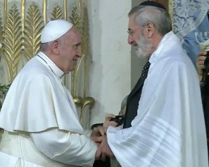 Visita Papa Francesco Sinagoga (1)