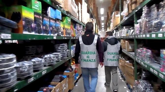 sequestro prodotti contraffatti 2