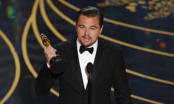 Oscar 2016: Leonardo Di Caprio ce l'ha fatta: le immagini della premiazione