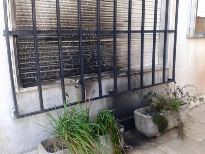 """Incendio al Municipio di Petrosino. Il sindaco: """"Se è un messaggio, andrò avanti a schiena dritta!"""" LE FOTO"""