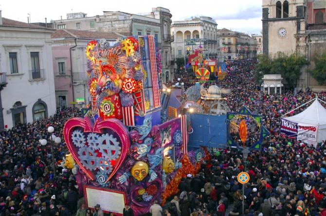 """Acireale in festa: """"Il più bel Carnevale di Sicilia"""""""