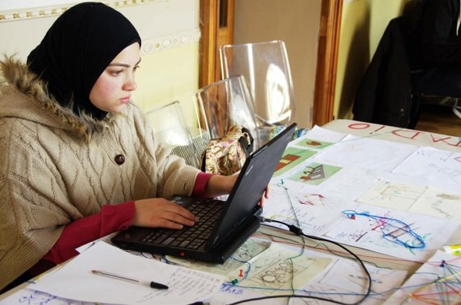 Enna, 86 studenti euromediterranei rigenerano quartieri dimenticati