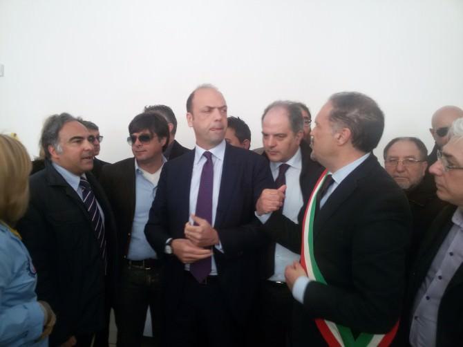 Il ministro Alfano ad Adrano. Inaugurato asilo intitolato al bimbo morto sulla spiaggia