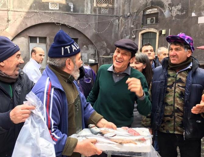 Gianni Morandi a Catania: un weekend in giro per la città