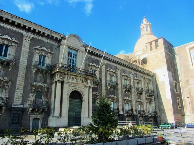 Catania-Monastero-Benedettini-entrata