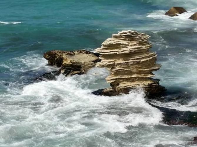Faraglioni dopo la mareggiata (foto palermotoday.it)