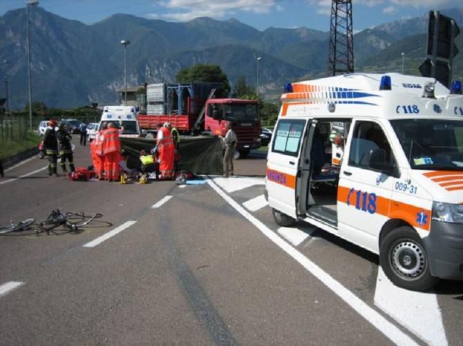 Sicilia, Incidente sulla Palermo Catania: auto cappottata, feriti due bambini