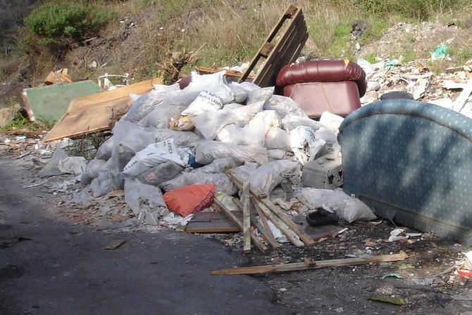rifiuti via villa flaminia (2)