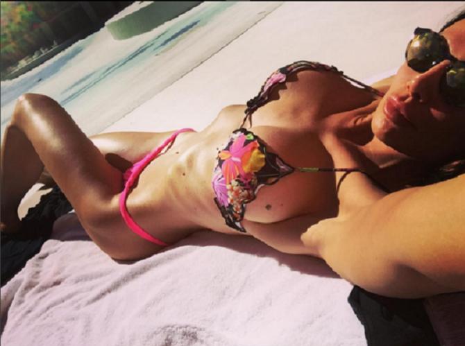 Nicole Minetti ritorna in scena: scatti bollenti su Instagram