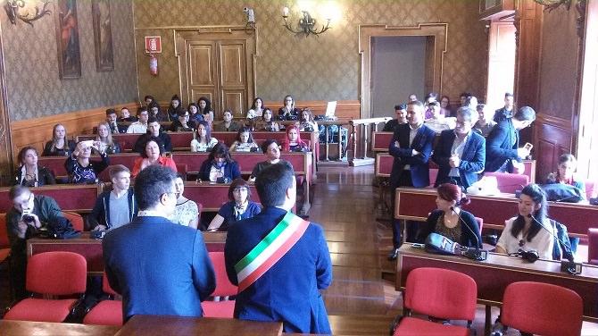 Il sindaco di Ragusa ha incontrato oggi i ragazzi del progetto Erasmus Plus – Atcting 2 Speak English.