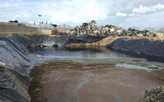 Azienda di smaltimento plastica (foto di repertorio)