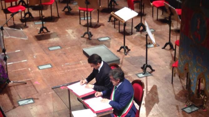 """Renzi al Bellini per firmare il """"Patto con Catania"""": in arrivo 740 milioni di euro"""