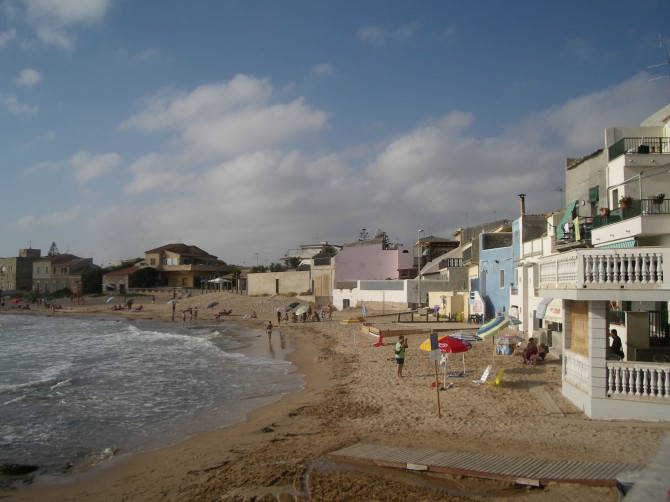Punta_secca_e_casa_di_Montalbano_-_panoramio
