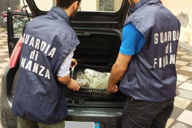 Fermato al casello di San Gregorio, trasportava marijuana da spacciare a Catania