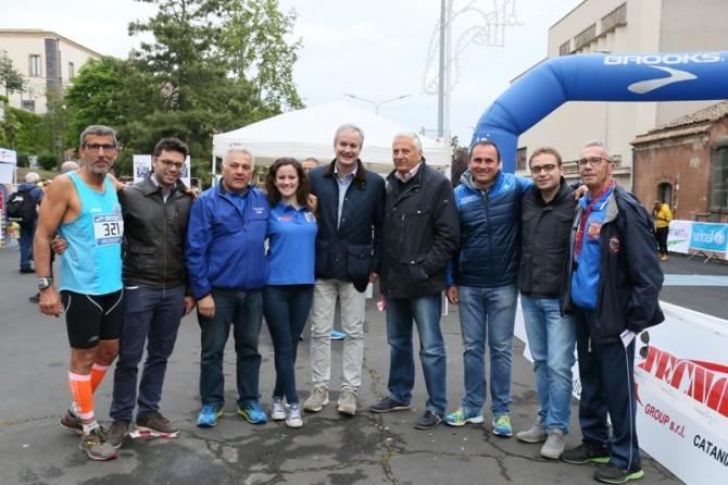 Gruppo organizzatore con sindaco assessori e Fabio Pagliara