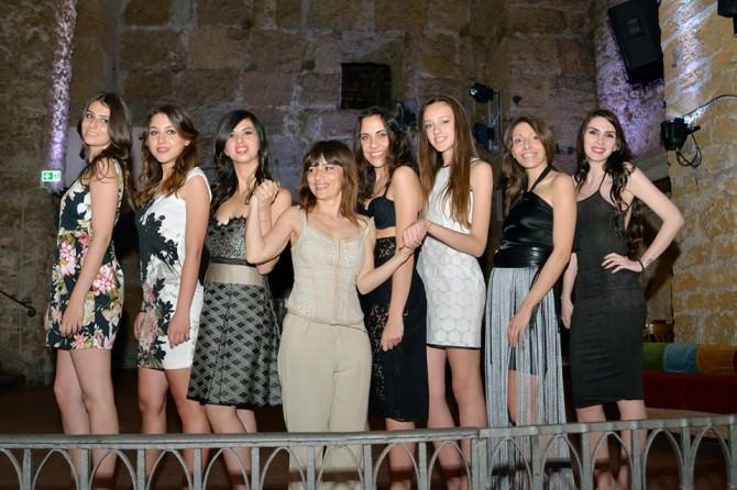 Le modelle con Tiziana Di Pasquale al centro (Foto di Peppe Volpes)