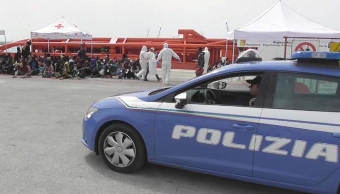 Sbarchi di clandestini e nuova tragedia in mare: arrestate 4 persone
