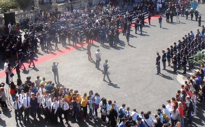 Rapporto con le istituzioni e legalità: scuola Duca degli Abbruzzi presente al 164° anniversario della polizia