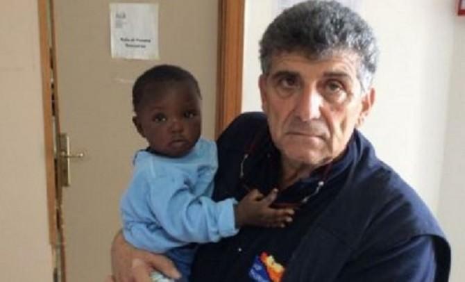 Piero Bartolo con la bimba di 9 mesi (foto Siciliafan.it)