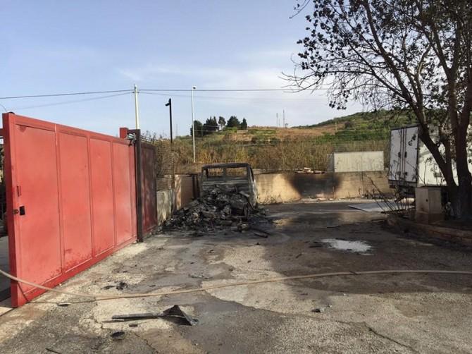 """Termini Imerese, incendio alla zona industriale. Chef Giunta: """"Abbiamo spento il fuoco da soli"""""""