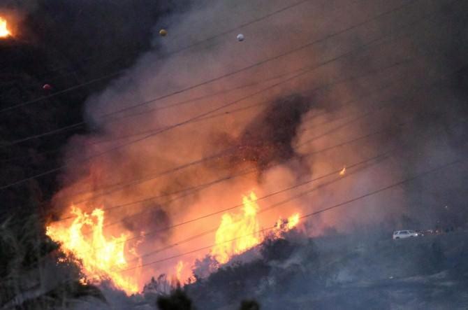 California-roghi-e-incendi-paralizzano-il-paese-14