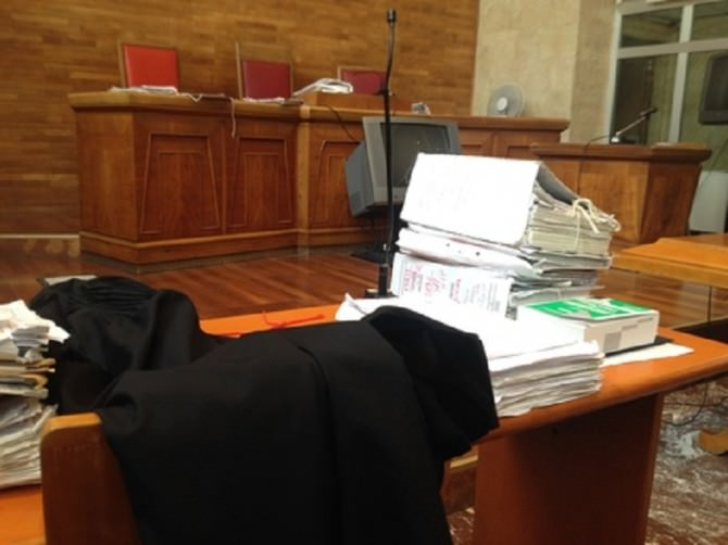tribunale aula palermo