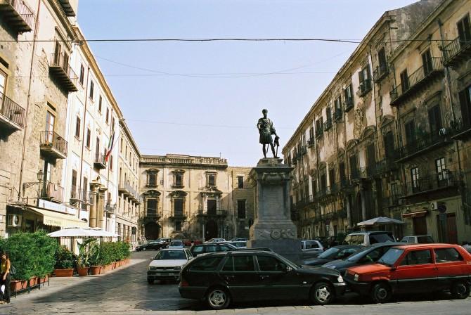 Palermo-Piazza-Bologni-bjs-1