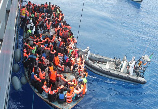 Catania: arrestati sei scafisti per lo sbarco di 841 migranti