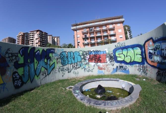 Degrado a Piazza Europa e al Lungomare di Catania