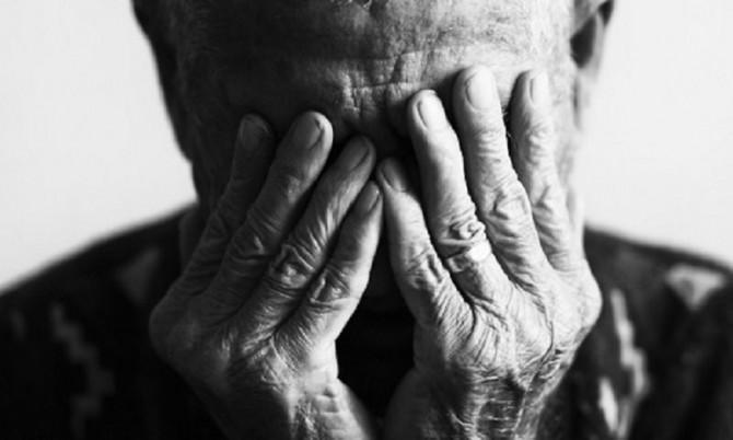 Anziano-triste1