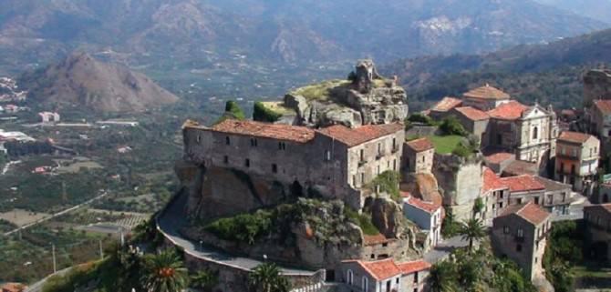 Castiglione veduta del castello