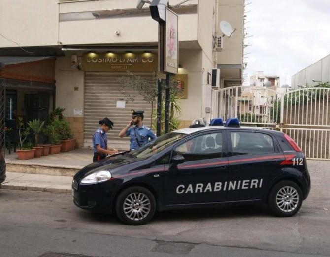 Conoscenze mafiose: così minacciavano i clienti. In manette gioielliere e commercialista