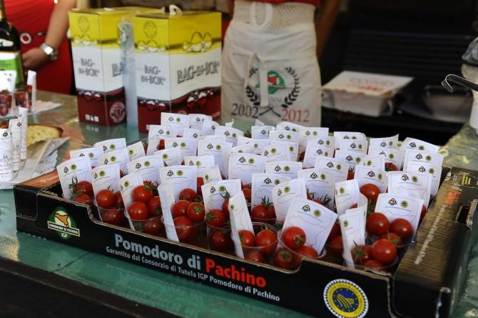 """Solidarietà, sport e prelibatezze culinaria per l'ottava """"Festa del pomodoro"""""""