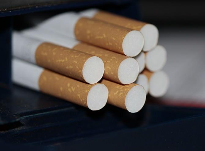 sigaretta sigarette contrabbando bionde