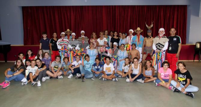 """I ragazzi messicani della """"Ciudad Juarez"""" in visita alla CavourI ragazzi messicani della """"Ciudad Juarez"""" in visita alla Cavour"""