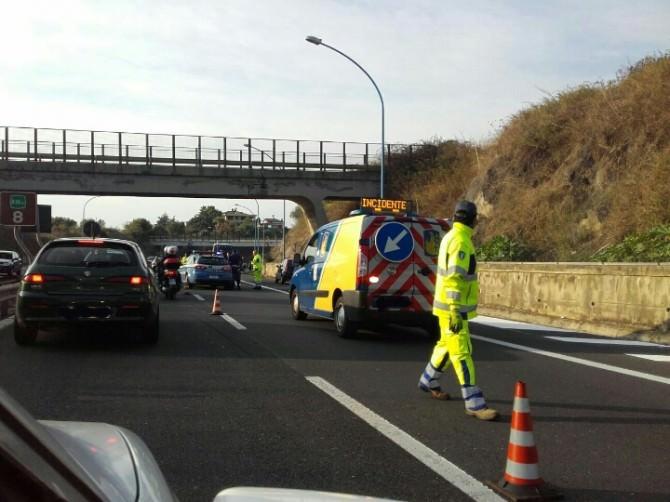Incidente sulla A18 direzione viale Vincenzo Giuffrida: morto un motociclista