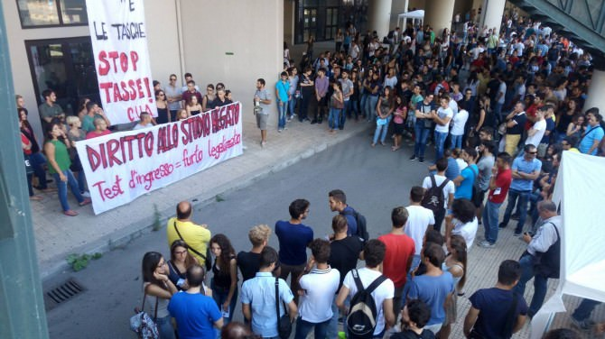 Protesta università palermo studenti