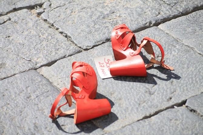 """""""Io sto con le donne"""": una fiaccolata a Taormina per dire STOP al femminicidio"""