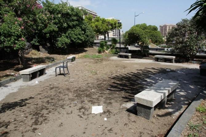 Catania: degrado e allarme sicurezza in piazza del Carmelo, piazza Iolanda e piazza Europa. LE FOTO