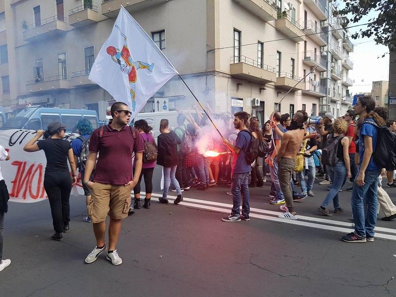 Riforma Costituzionale, studenti in strada contro Confindustria
