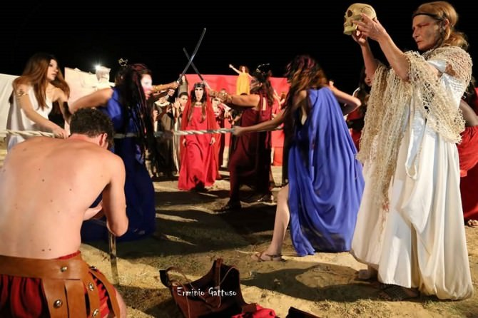 """Catania, """"La Notte della Follia"""": 24 ore no stop di cultura, musica e teatro"""